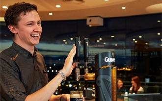 מבשלת הבירה גינס - Guinness Storehouse